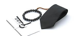 数珠や弔事用ネクタイを忘れてしまっても安心。数珠や弔事用ネクタイ、ストッキング、香典袋の販売