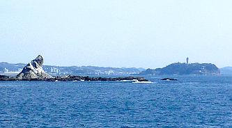 えぼし岩と江の島