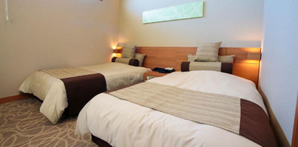 ベッドも完備しており夜間のお付き添いも安心。