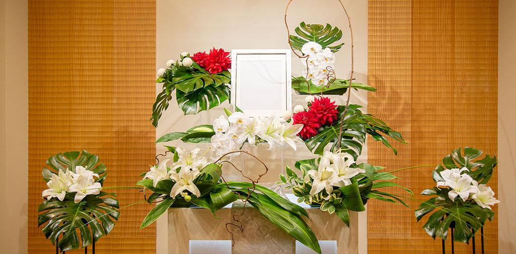 ウエディング担当デザイナーによるオリジナル生花装飾。