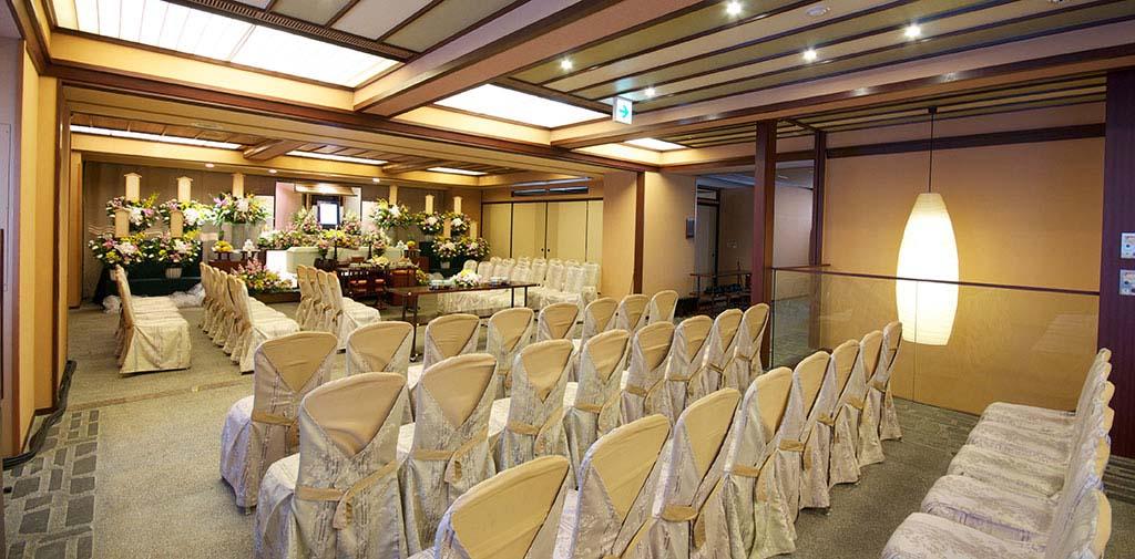 家族葬から一般葬まで様々なご要望にお応えする4階式場。