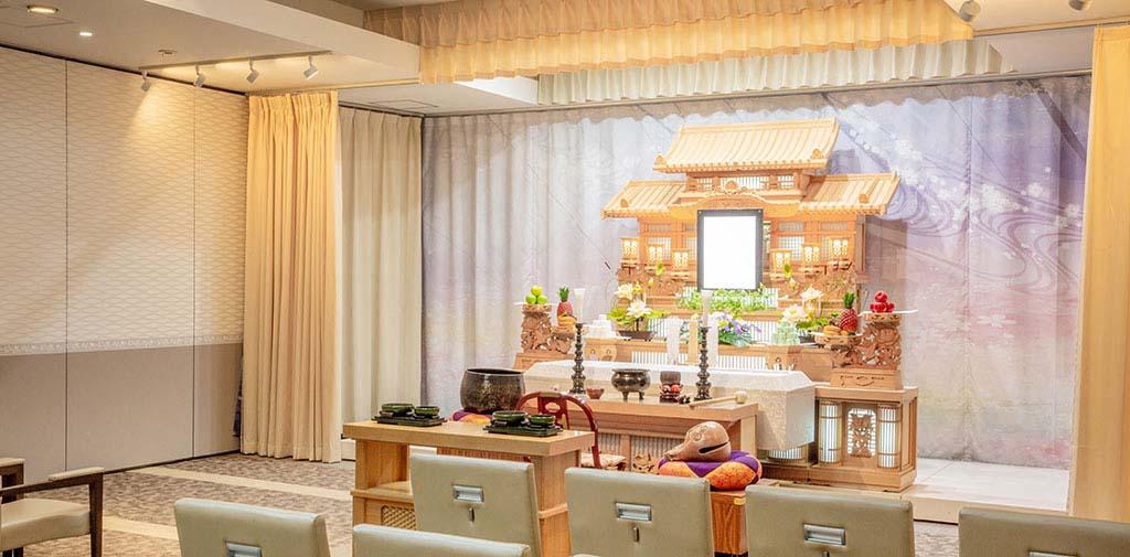 家族葬から一般葬まで対応できる2階式場。
