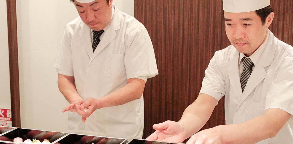 面前で握るお寿司はご会葬者にも好評です。