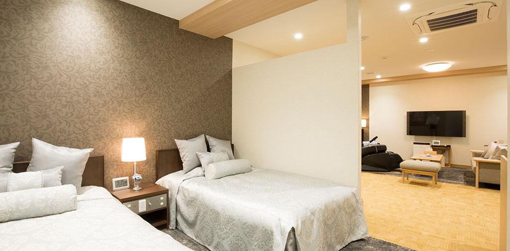親族控室はベッドも完備。夜間のお付き添いにも安心。