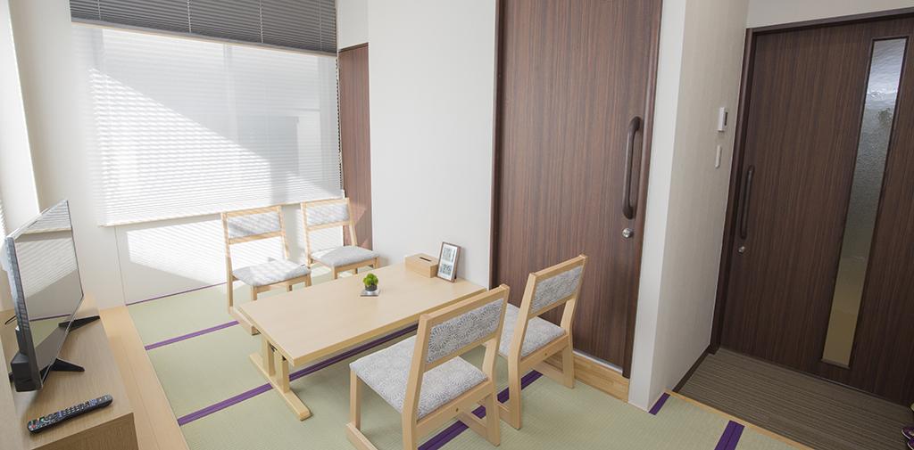 ご住職の控室も完備。お茶出しなど接待は当社スタッフが対応いたします。