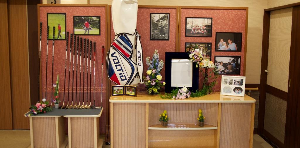 メモリアルコーナーで故人を偲ぶ。その方らしい温かいご葬儀を。
