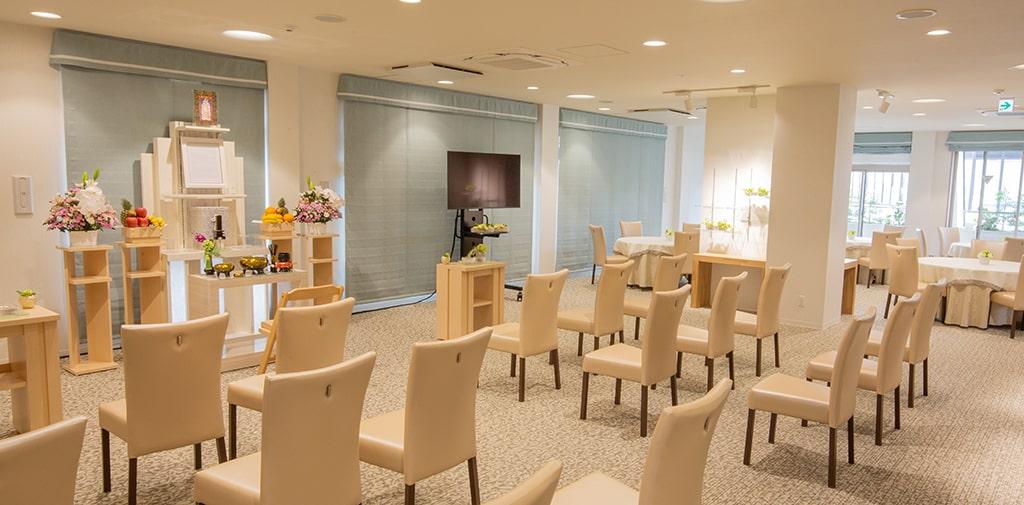 4階多目的ホールはご法事やご会食など様々な用途でご利用いただいています。